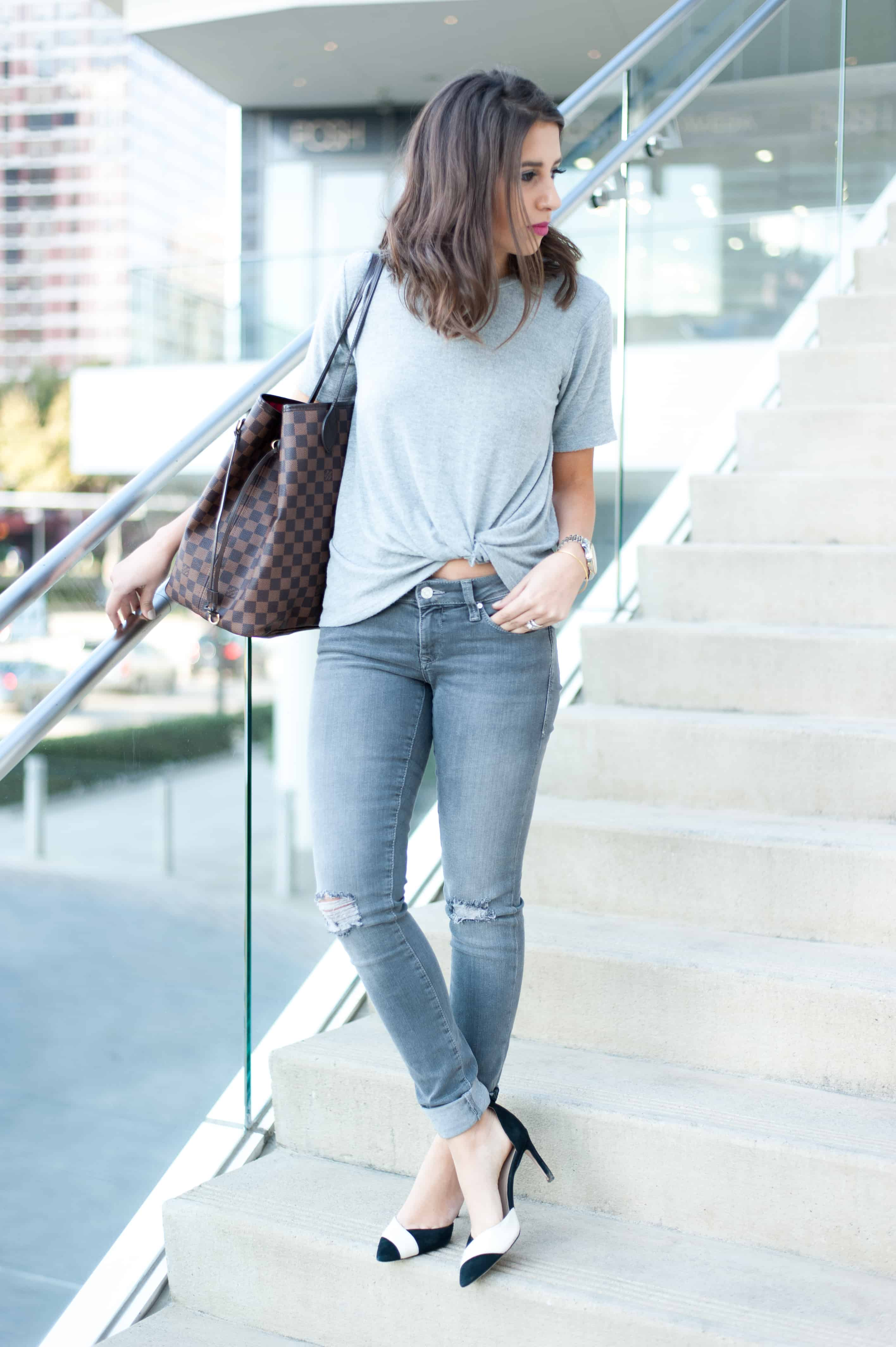 Mavi Jeans 'Serena' Distressed Stretch Skinny Jeans (Grey Ripped) June & Hudson Knot Hem Tee Monochrome