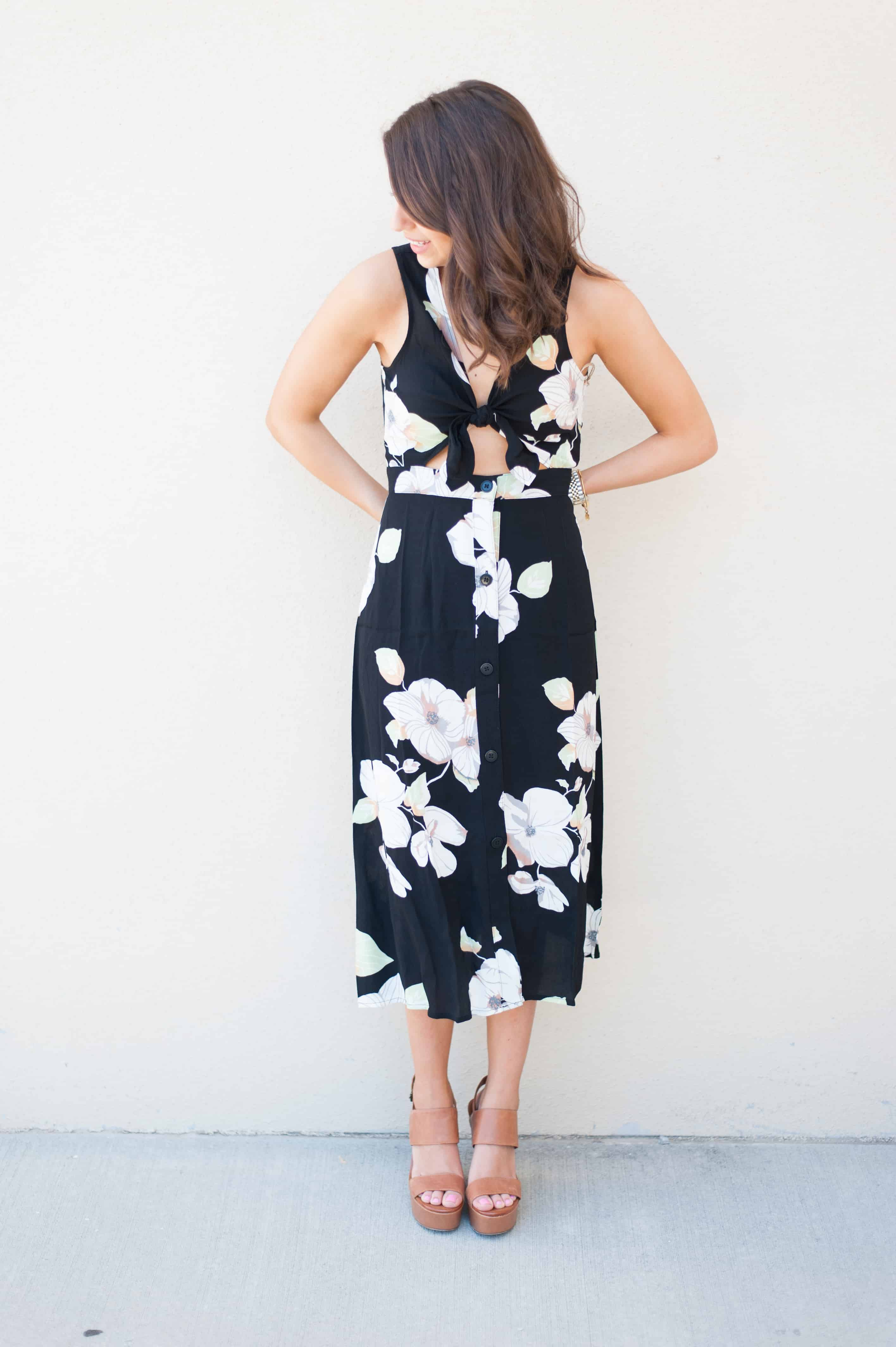 Dress Up Buttercup // A Houston-based fashion and inspiration blog developed to daily inspire your own personal style by Dede Raad   Floral Tie Front