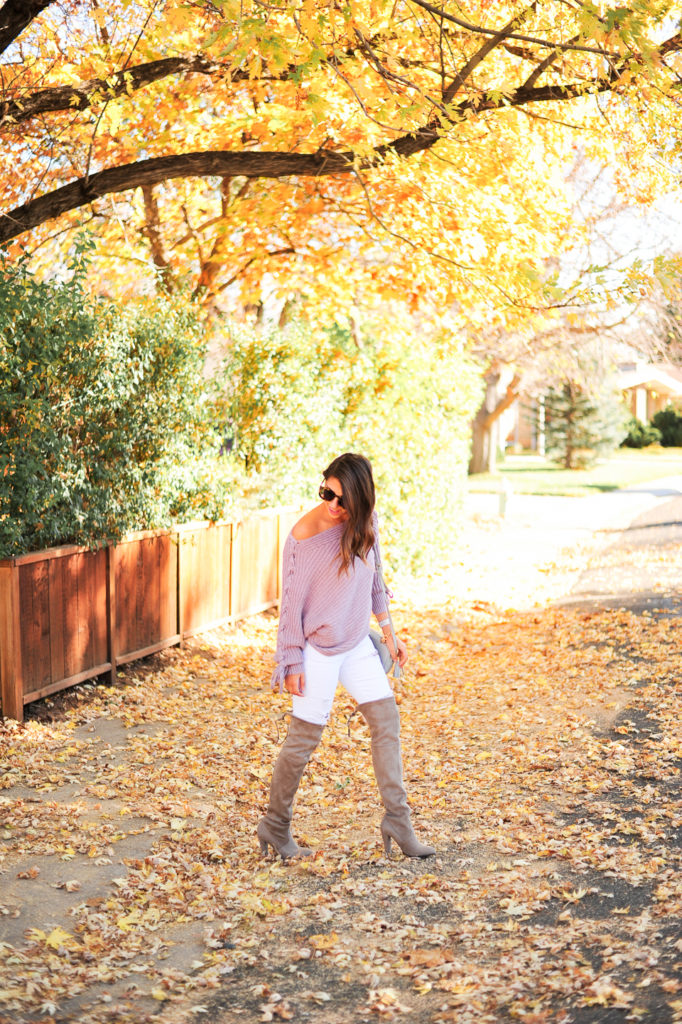 Dress Up Buttercup // A Houston-based fashion travel blog developed to daily inspire your own personal style by Dede Raad | Falling for this Sweater