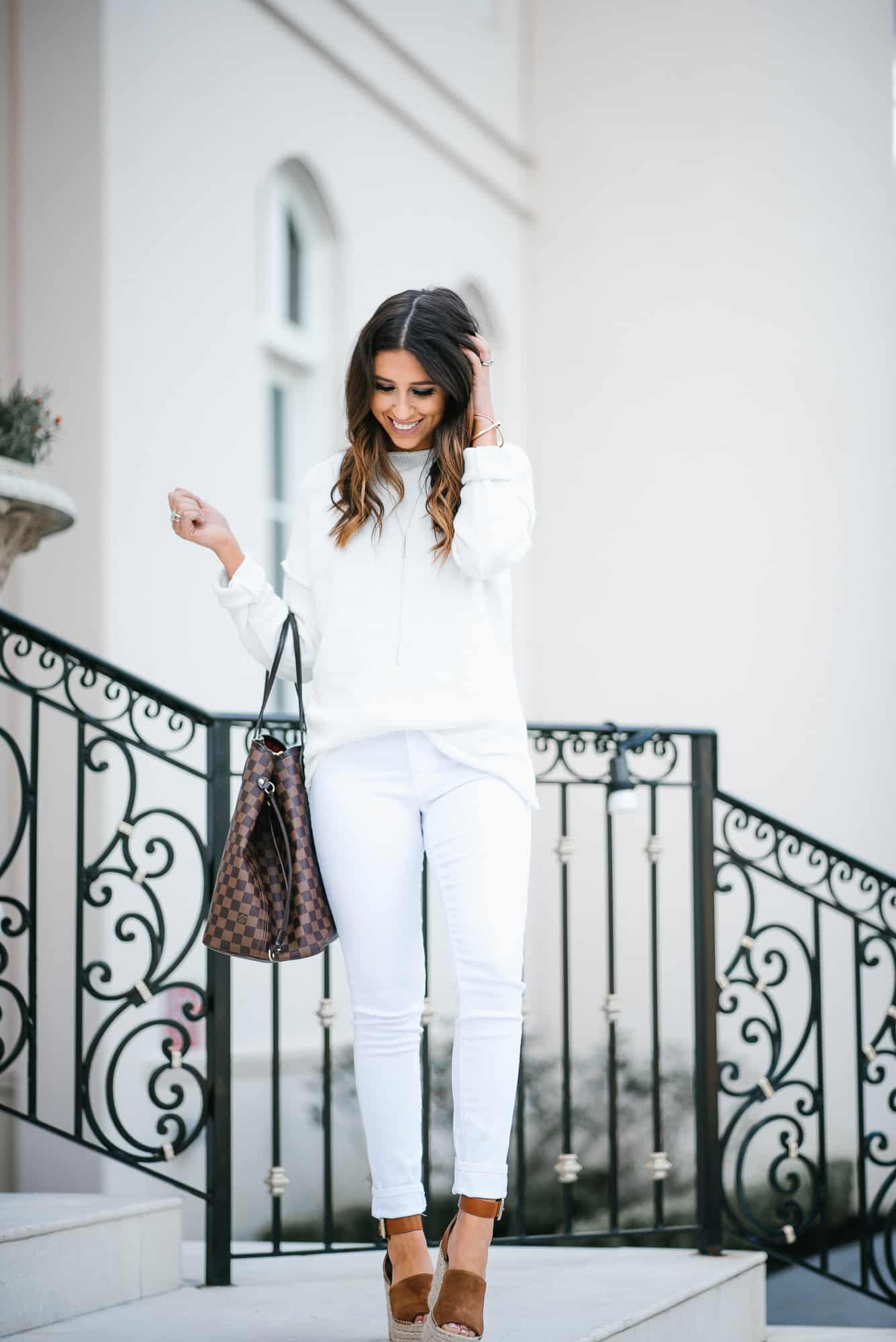 Dress Up Buttercup // A Houston-based fashion travel blog developed to daily inspire your own personal style by Dede Raad | White Out in Winter